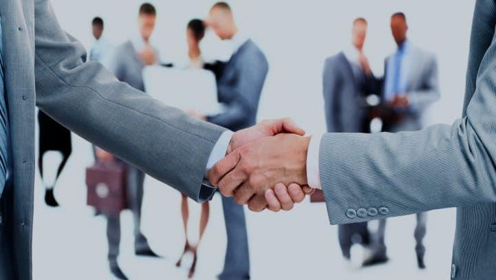 Niekorzystna umowa jako sprzeczna z zasadami współżycia społecznego